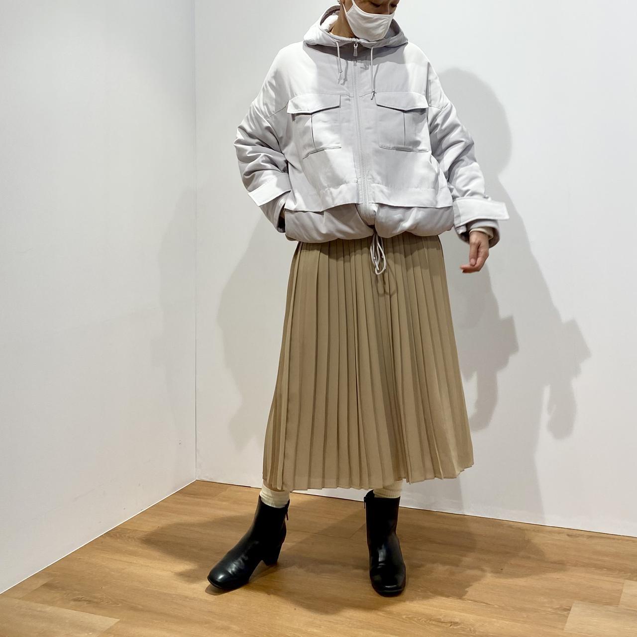 画像1: ハイブリッドダウンオーバーサイズパーカ¥9,990/ユニクロ(ユニクロ アンド ホワイトマウンテニアリング) 出典:fashion trend news