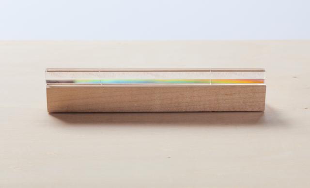 画像: 虹色に輝く水平鈴