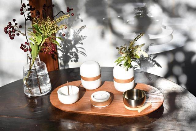 画像3: 繭環 - 現代の暮らしに寄り添う骨壷と「新五具足」
