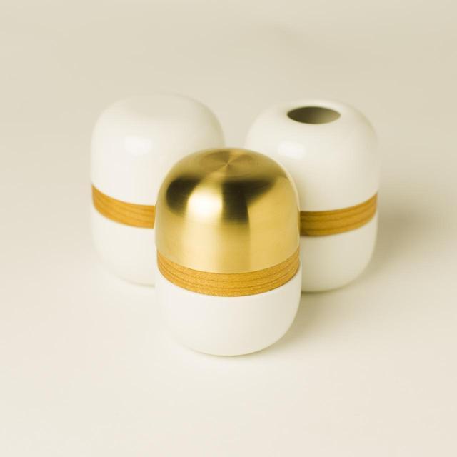 画像7: 繭環 - 現代の暮らしに寄り添う骨壷と「新五具足」