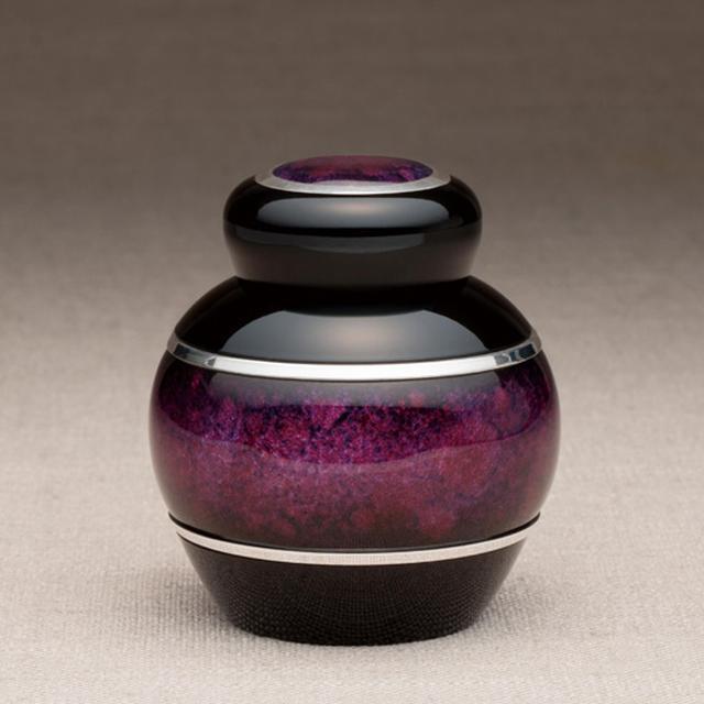 画像2: まとう - 掌に馴染む曲線に、奥深く美しい色を纏う七宝の骨壷