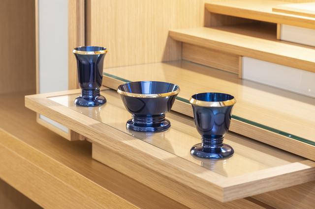 画像: 膳引きがガラス張りになっているタイプは、お手入れしやすく燃えにくいので安心