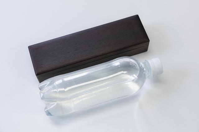 画像: 500mlのペットボトルよりもややスリムな形状