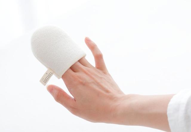 画像2: 「iimin 洗顔ミトン」、しっとりすべすべ肌のヒミツは2つあります。