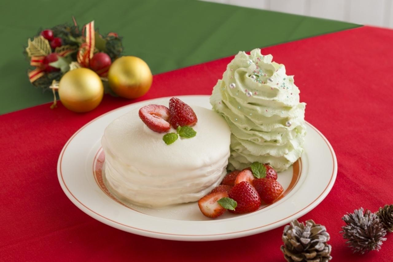 """画像: Eggs 'n Thingsからクリスマスケーキの定番""""ショートケーキ""""をモチーフにした「クリスマスホイップツリーパンケーキ」"""