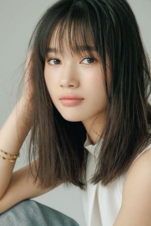 画像1: 「顔面最強女子」VOCE新専属モデル発表!