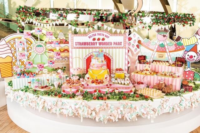 画像1: 今年のストロベリーデザートビュッフェは、どこか懐かしさを感じる「レトロ遊園地」がテーマ