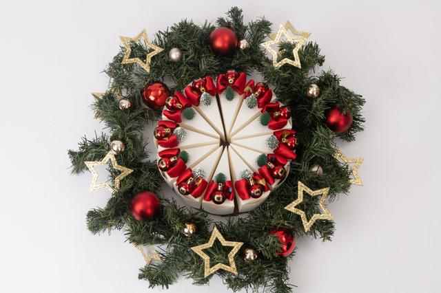 画像2: 銀座「PAPEL」のクリスマス限定仕様 「ケーキ型ボックス スイーツ」