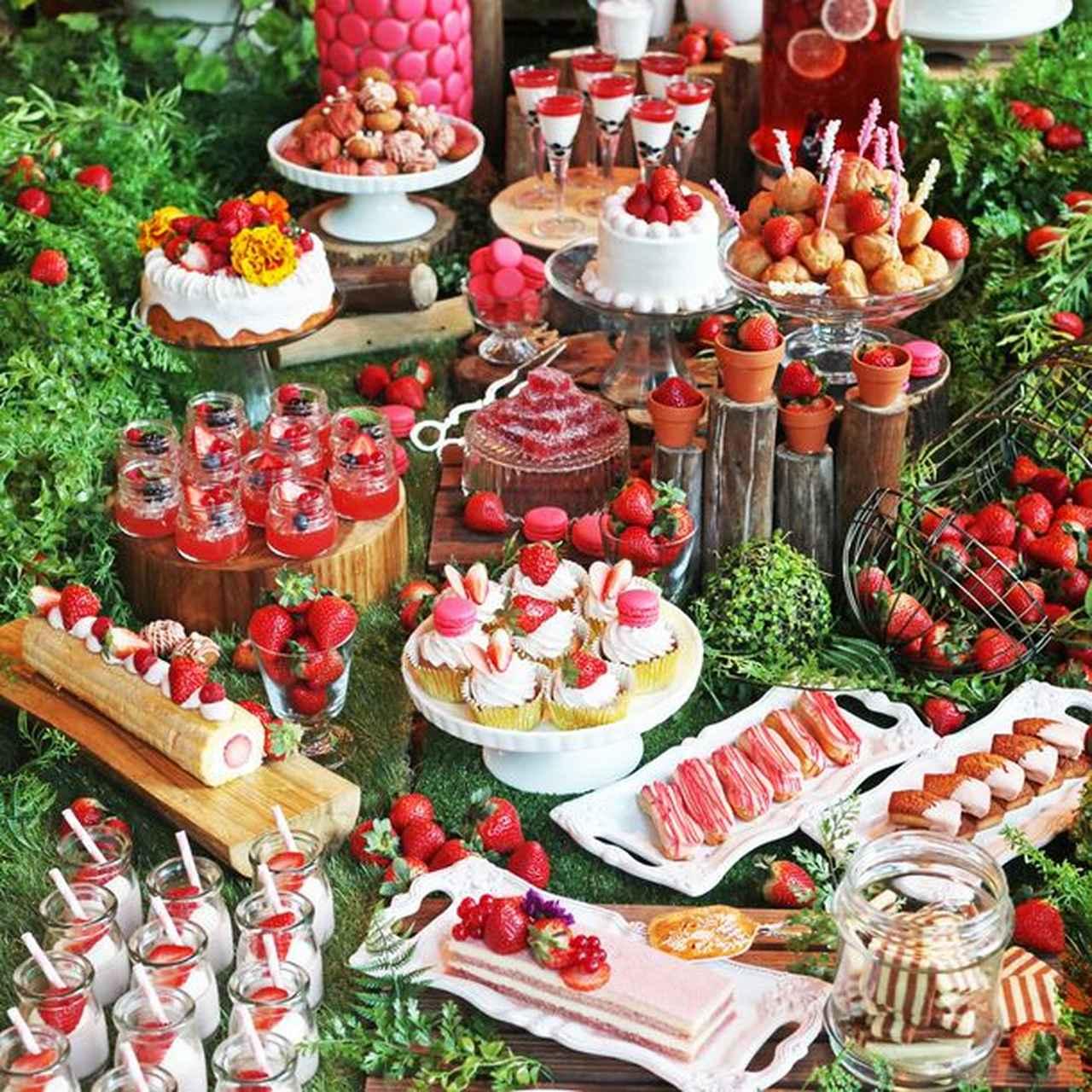 画像: 旬の苺を日替わり約20種類のデザートで楽しむ 「2019 ストロベリーブッフェ」