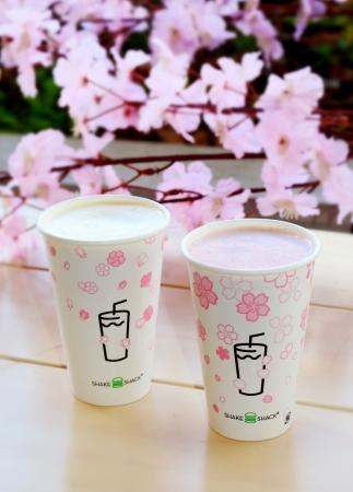画像1: 【Shake Shack】日本限定の桜フレーバーシェイクを発売!「シャクラシェイク」で春の訪れを楽しもう!