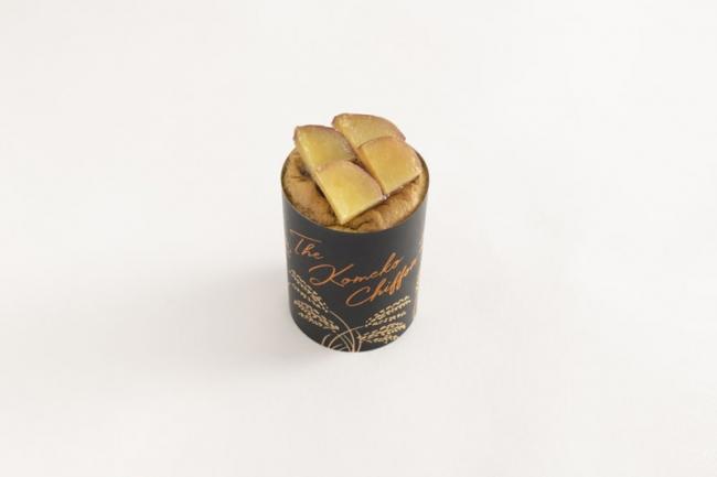 画像: 『ザ・抹茶米粉シフォン さつまいも餡』 宇治抹茶を練り込んだ生地に、北海道産の生クリームでなめらかに仕上げたさつまいも餡を詰め、鳴門金時の甘露煮をトッピングしました。