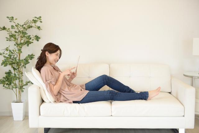 画像: 涼しげ白デニム+パンツスタイル