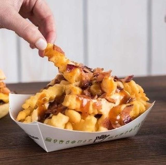 画像: BBQ Bacon Cheese Fries/バーベキューベーコンチーズフライ