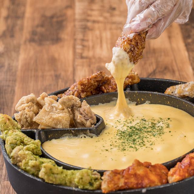 画像1: SNS映え新感覚チーズグルメ「パネチキン」&「UFOフォンデュ」