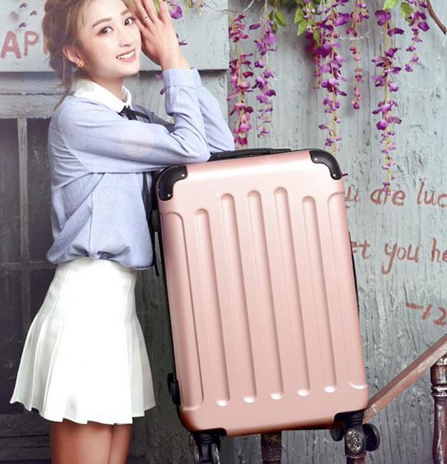 画像1: 耐荷重50kg!傷にも強い安心スーツケース