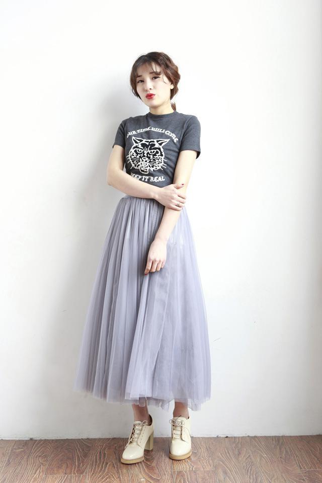 画像: Tシャツ×チュールスカートでカジュアルコーデ