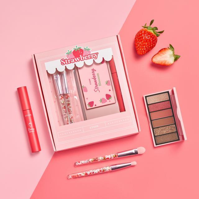 画像1: イチゴの果汁広がるような ベリーメイクに彩るスペシャルキット『ストロベリーブロッサムキット』新発売