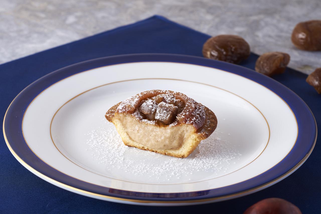 画像1: 華やかな見た目と優しい甘みを楽しめるチーズタルト×モンブランのご褒美感満載のフレーバー「モンブランチーズタルト」