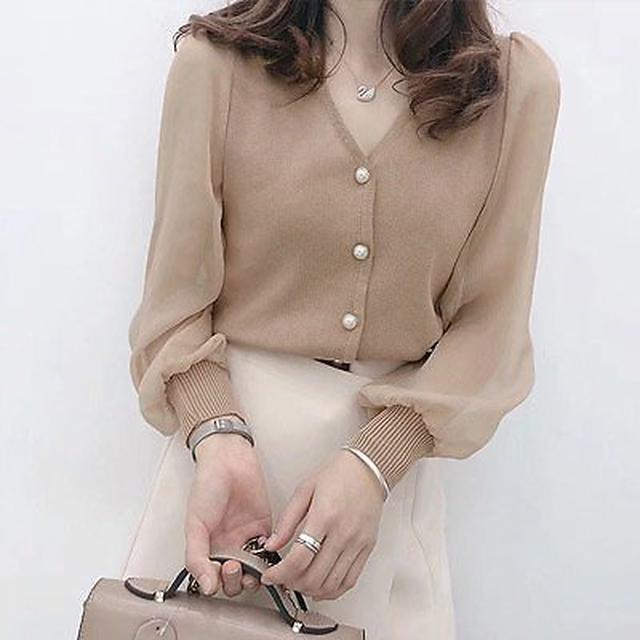 画像: [Qoo10] 【ANDSTYLE】韓国ファッション/シフォン袖切り替え パールボタンブラウス/ふんわりと美シルエットを演出 パールボタンがワンポイント Vネックブラウス _246211