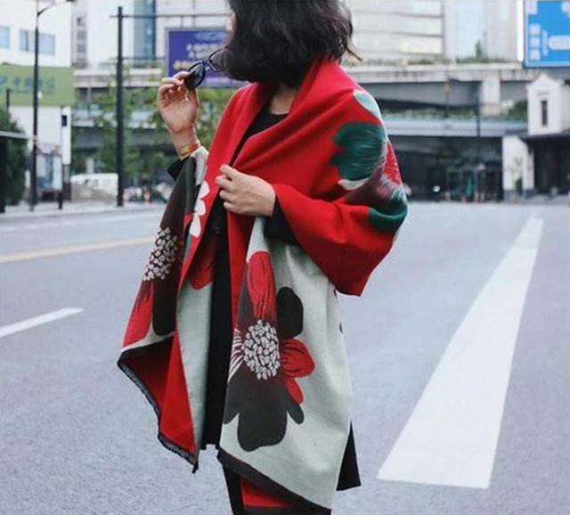 画像: 【3位】リバーシブル大判花柄ストール