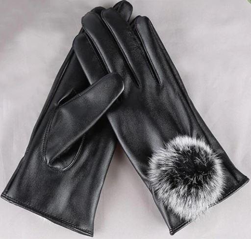 画像: 【3位】スマホ対応ファー付き手袋