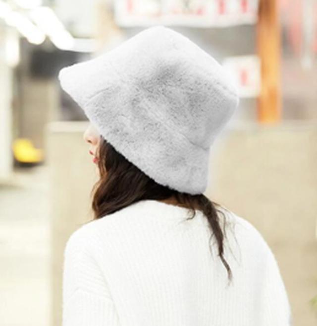 画像1: Qoo10 Fashionカテゴリー担当に聞く!もこもこであったかかわいい「ファー」アイテム♡