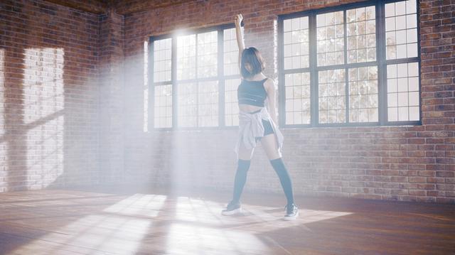 画像3: TWICEのMOMO、yukaDD(; ́∀`)のMUSIC VIDEOに初出演!