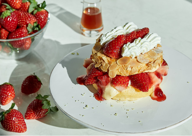画像1: スフレパンケーキ専門店「FLIPPER'S」のストロベリーフェア