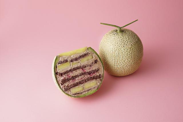 画像2: インスタ映え間違いなし! 「バレンタイン限定 まるごとメロンケーキ」も絶賛発売中