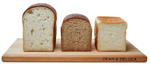 画像1: 職人が丁寧に焼き上げた、芳醇な食パン