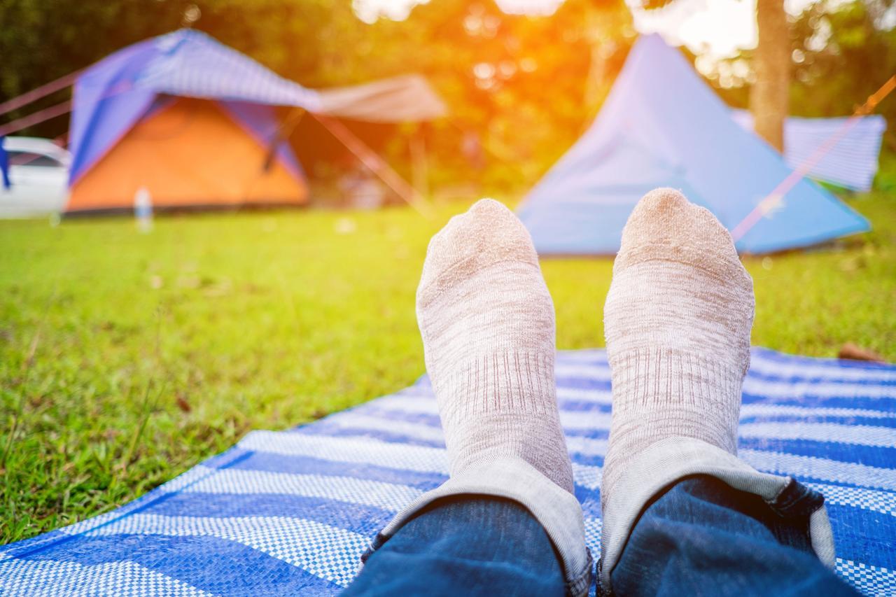 画像: アウトドアの必需品 おしゃれで機能的なレジャーシートを活用して、キャンプを楽しもう!