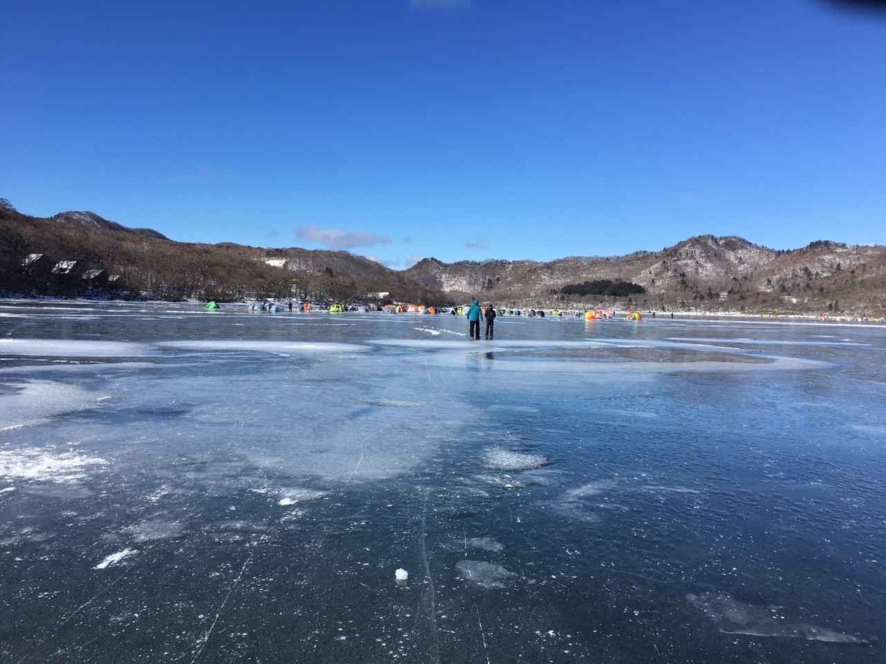 画像: ワカサギ釣りは群馬県赤城大沼でできる!? 群馬なら氷上でワカサギが楽しめる!