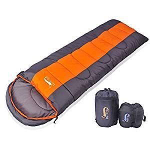 画像: Amazon   寝袋 封筒型 軽量 アウトドア 登山 車中泊 丸洗い 最低使用温度5度 収納袋付き (オレンジ 1kg)   DesertFox   寝袋・シュラフ