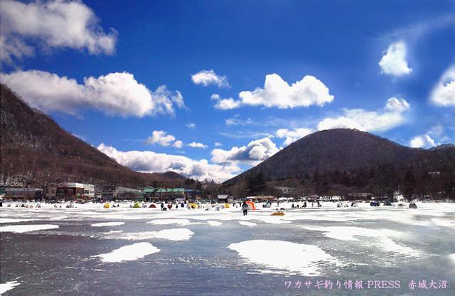 画像: 赤城大沼ワカサギ釣り情報、わかさぎ釣り釣果~氷上穴釣り・ボート~