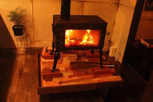 画像1: 画像出典:新保製作所 www.maki-stove.jp
