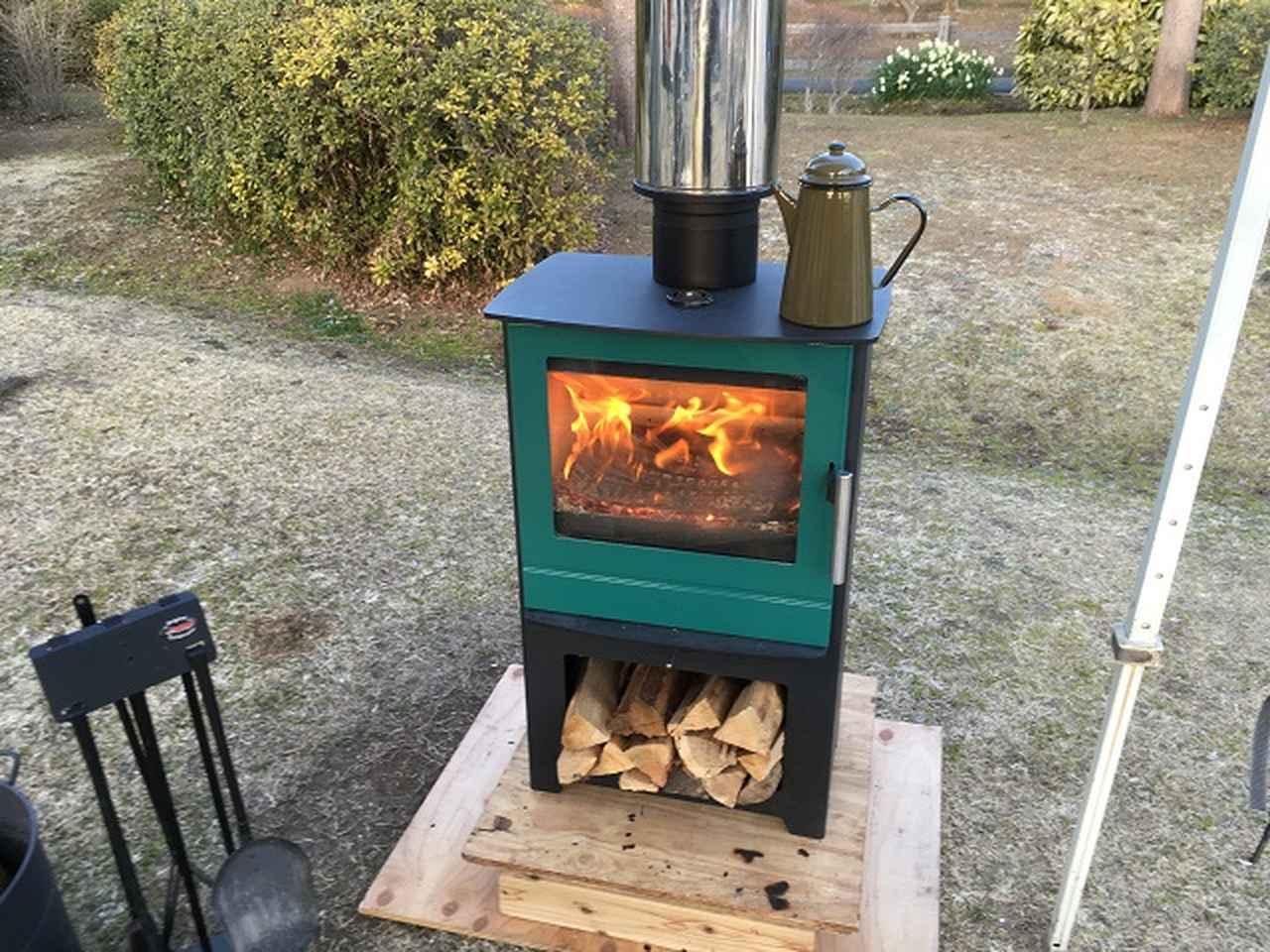画像: 冬キャンプで薪ストーブを使う時の注意点! テント内で使用するには準備や換気などがとっても大変!