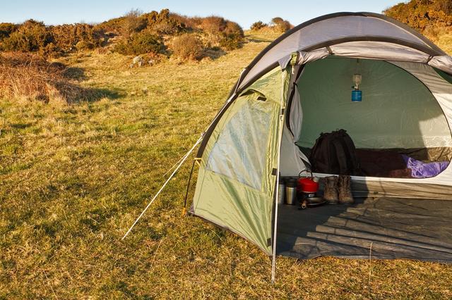 画像: ソロキャンプ用のテントはコンパクトでも快適!