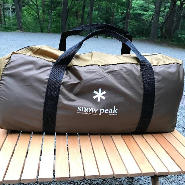 画像: ファミリーサイズのテント。収納袋に詰めてもけっこう大きいです。