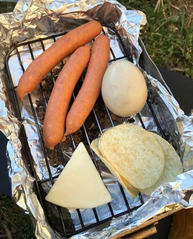画像4: 【超簡単】メスティンを使って、わずか10分で作れる燻製料理をご紹介!