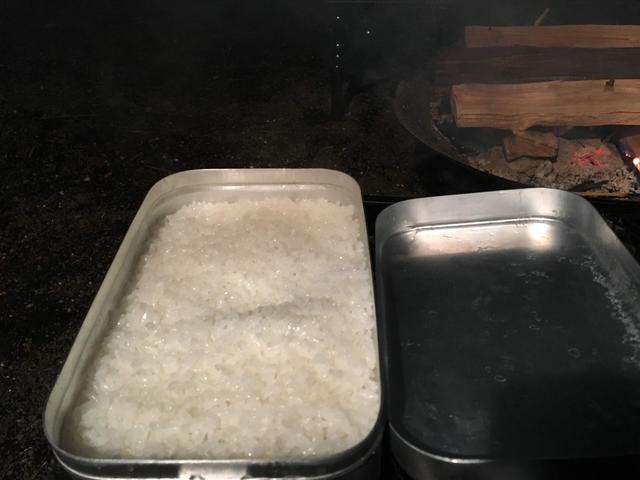 画像: こちらは2合のお米を炊きました。ふっくらご飯の粒がしっかりしています。