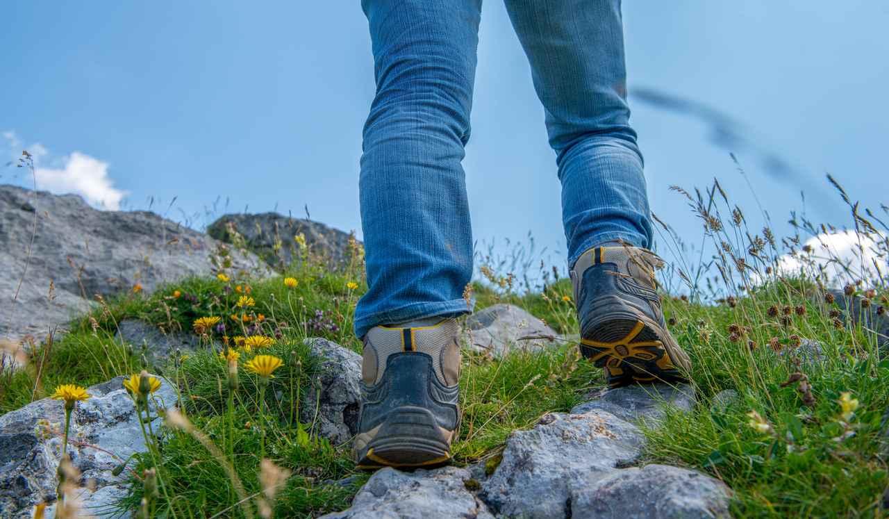 画像: 登山初心者のトレッキングシューズ選びは、スリップ対策が施されていることが最低条件