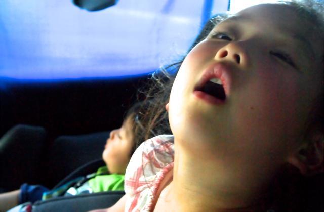 画像1: 寝顔を眺める幸せな時間