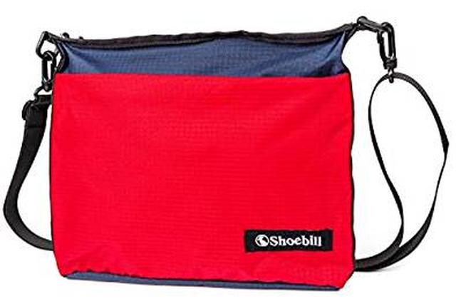 画像: Amazon | Shoebill サコッシュ バッグ ショルダーバッグ ナイロン 防水 登山 アウトドア (レッドネイビー) | スポーツショルダーバッグ・エナメルバッグ