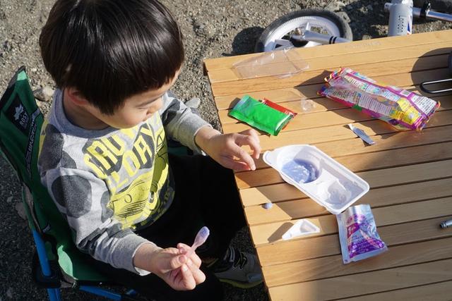 画像: 作る系のお菓子はキャンプだけのお楽しみ