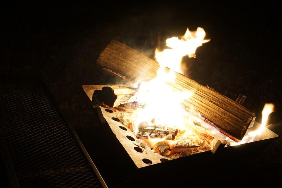 画像: 焚き火を静かに眺めているだけで楽しい(画像:筆者撮影)