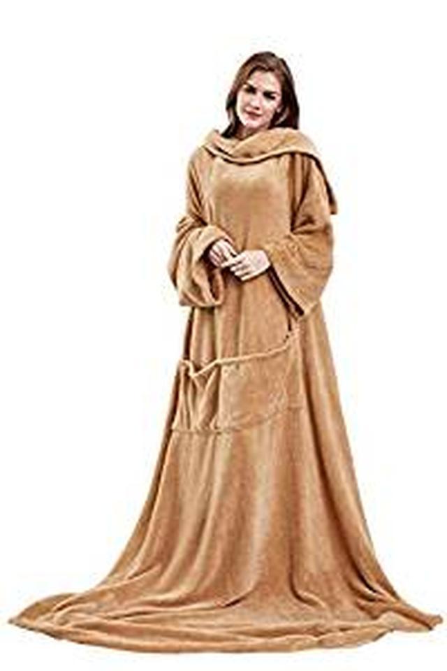 画像: Amazon|Winthome着る毛布 ブランケット 袖付き毛布 着るブランケット防寒 軽量 冬の寒さ 足先の冷えや節電対策に!男女兼用 着丈190cm|着る毛布・かい巻き オンライン通販