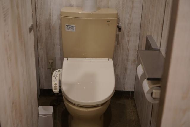 画像: ウォシュレット完備のトイレ。