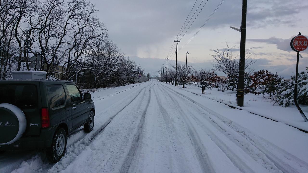 画像: ジムニーで冬のソロキャンプ車中泊をするために必要な準備とは? 防寒・防犯対策を十分に