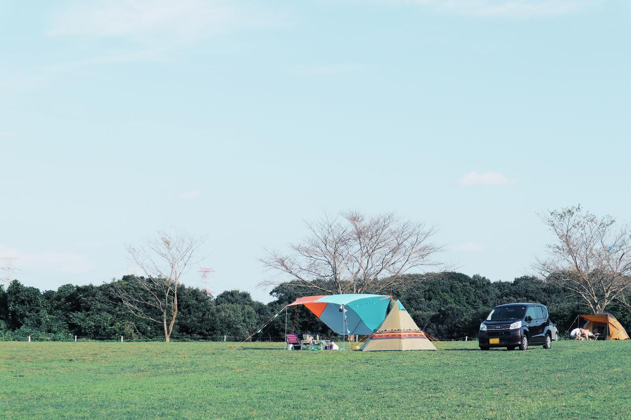 画像: 成田ゆめ牧場のキャンプ場の平日の様子 futaricampguide.com