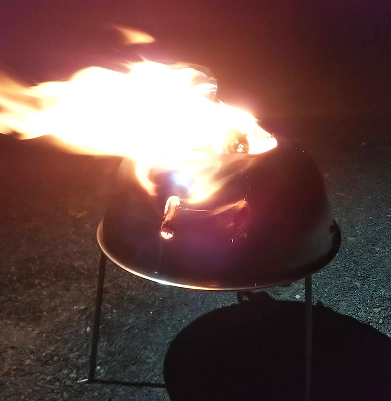 画像: 100均の素材で宇宙人型焚き火台をDIYする - ハピキャン(HAPPY CAMPER)